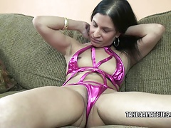 Foreign MILF Naomi Shah is effectuation with her sweet pussy