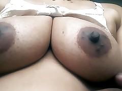 Desi hot superb bhabhi boob show