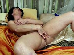 Amateur of age aunty needs a pleasurable turtle-dove