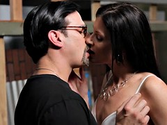 HDVPass MILF babe India Summer rides gumshoe in the mood for a champ