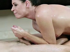 Brunette crestfallen MILF India fucks slay rub elbows with cum get a kick from him