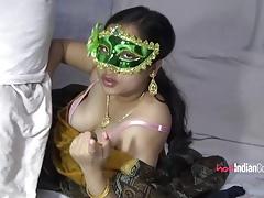 Fat Ass Velamma Bhabhi Sucking Indian Cock