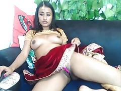 Beautiful Indian camslut bonking her creamy pussy
