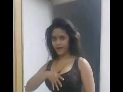 Sexy Indian Indulge Navneeta Dancing Shaking BigTits