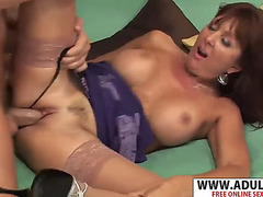 Enjoyable quondam recent mom desi foxx gives titjob magic will not hear of floweret