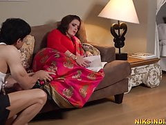 Pregnant Desi Mother fucked in aggravation added to pussy by a difficulty servant