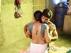 Padosh Ki Bhabhi Ki Chudai Hindi Porn